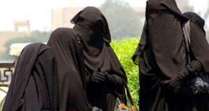 Sisters_niqab_good