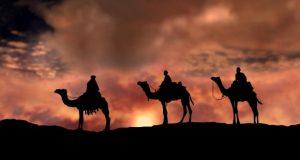 Star-Bethlehem-three-magi-camels-kings-wise-men-israel-bible-story-desert-travel