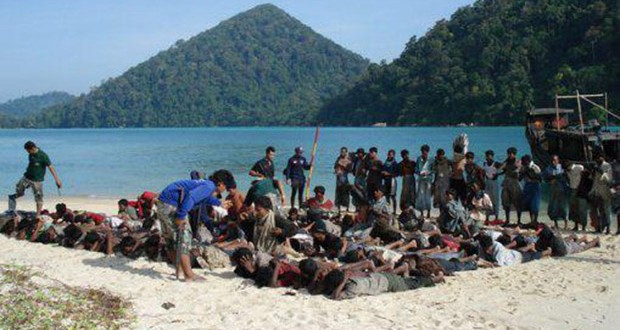Terrorists-of-Budhism-of-Burma-Kills-500-Muslims-at-the-Beach-today-753438